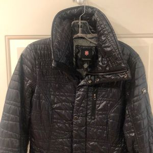 EUC BLACK VICTORINOX LONG COAT